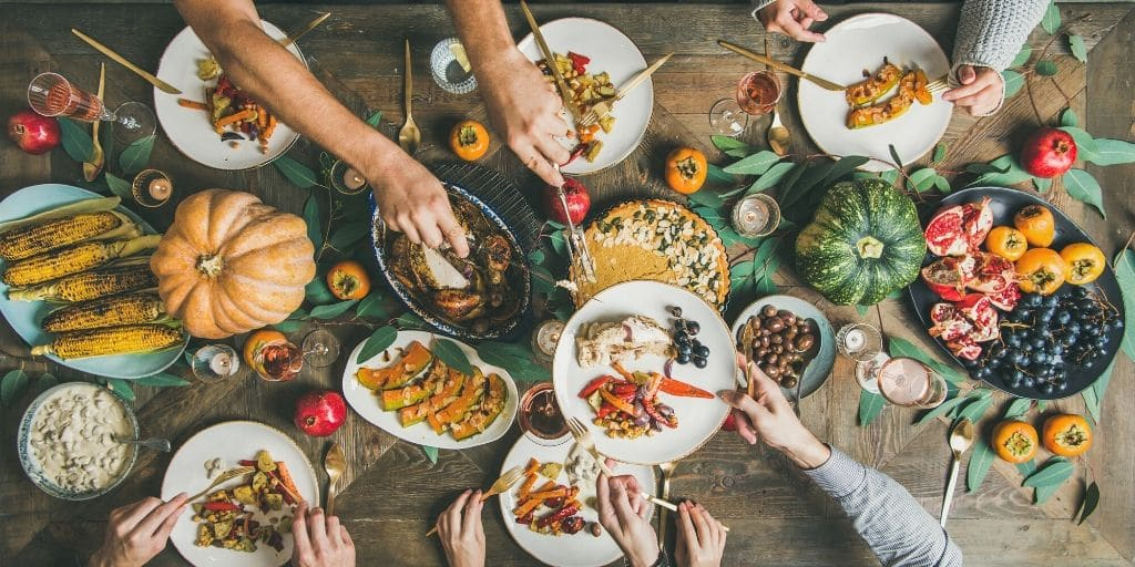 This time of year, we tend to focus on what we're grateful for, so we thought we'd give you more to add to that list! Thanksgiving in Phoenix has already begun! Celebrate with parades, shopping, and seeing festive lights - or just chow down a delicious meal at one of our many amazing area restaurants.